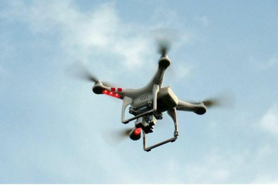 Zielona Góra: dron wykorzystywany w kontrolach dot. zakazu gromadzenia się