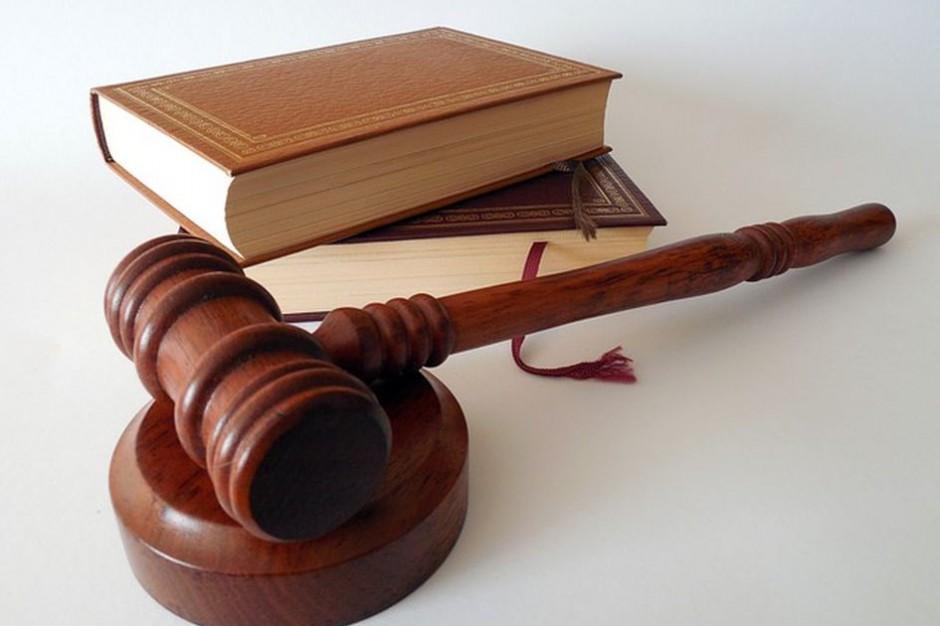 Niedozwolone klauzule w umowach. Sąd wydał wyrok