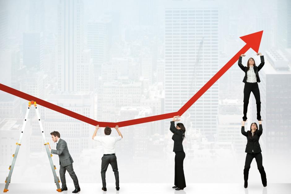 Ścieżka powrotu do ożywienia gospodarczego zajmie co najmniej dwa–trzy kwartały