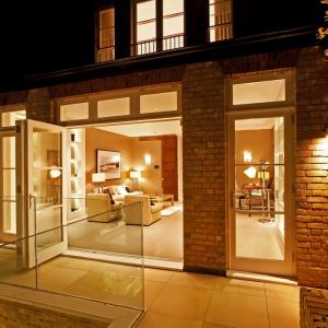 Dom wyposażony w nowoczesne technologie - to rosnący trend