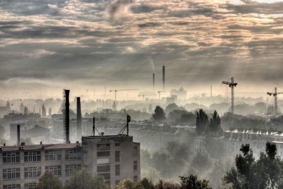 Sezon grzewczy rozpoczęty. Południe Polski dusi się w smogu
