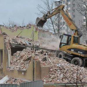 Rozbiórka gminnego budynku w centrum Radomia
