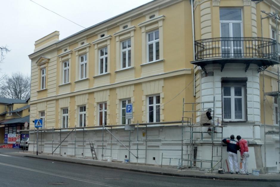Piotrków Trybunalski: Finisz remontu miejskiej kamienicy
