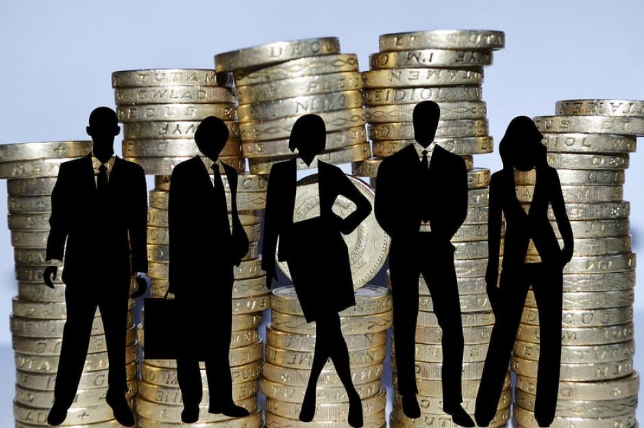 Co dla Polaków oznacza podatek bankowy?