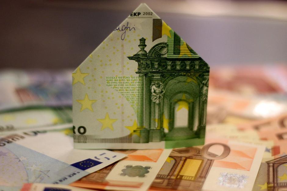 BIK: Koniec roku sprzyjał sprzedaży kredytów mieszkaniowych