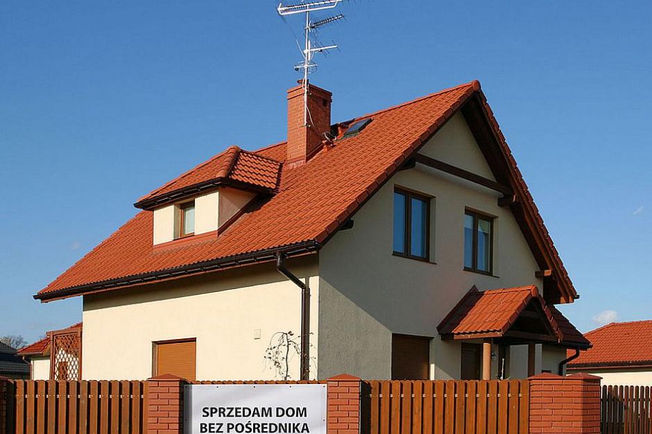 Polacy nie korzystają z pomocy agentów nieruchomości