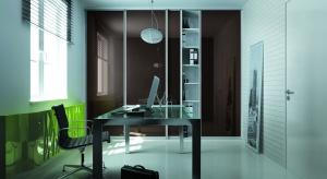 Biuro w szafie. Doskonałe przy małym metrażu