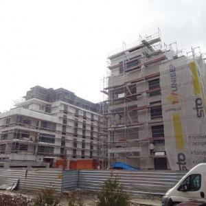 Praca wre na budowie osiedla Miasto Wola