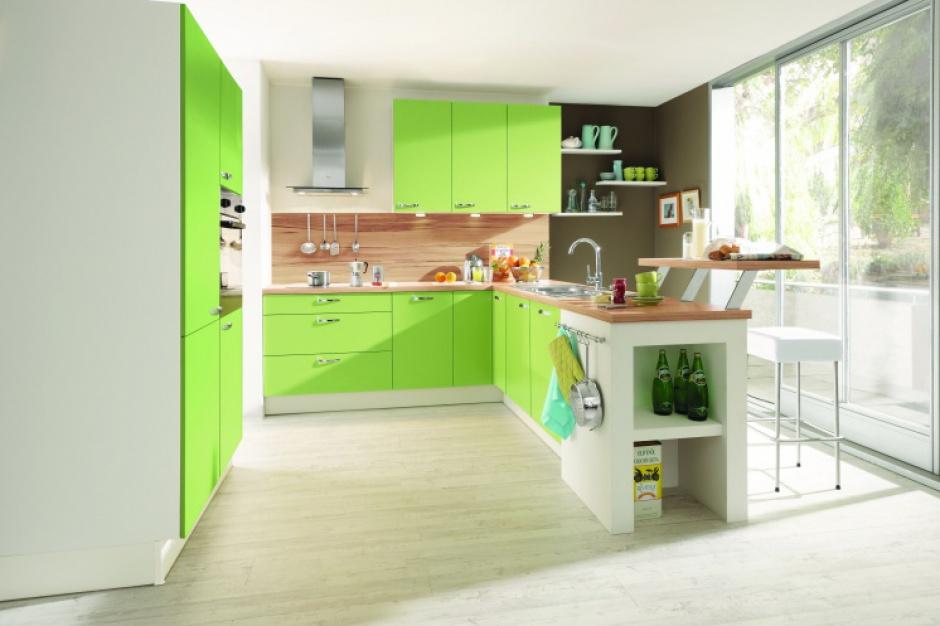 Kolorowe meble ożywią kuchnię