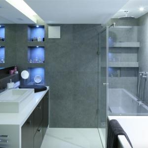 Strefa kąpielowa w małej łazience. Zobacz rozwiązania