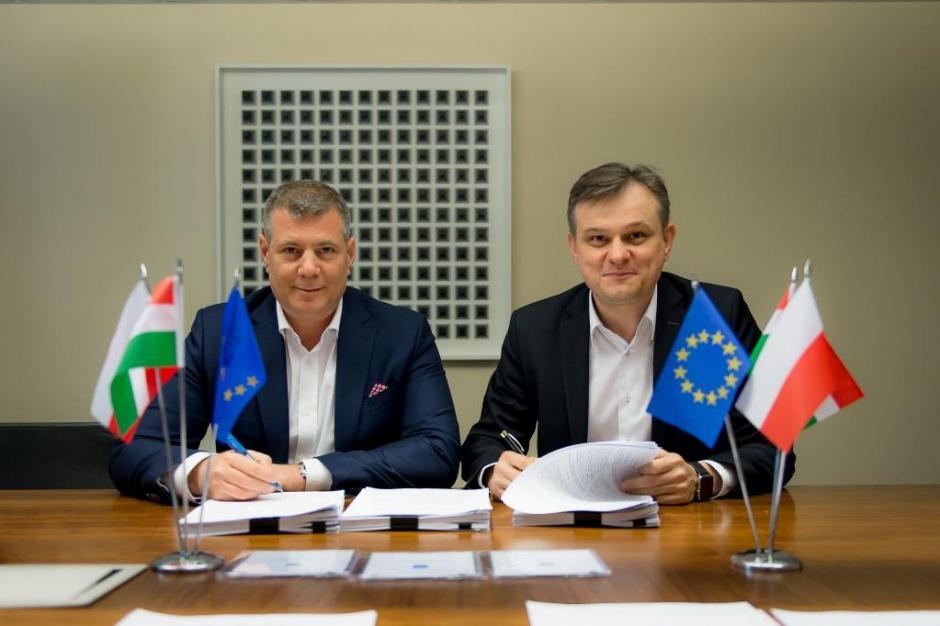 Metrohouse w rękach Węgrów