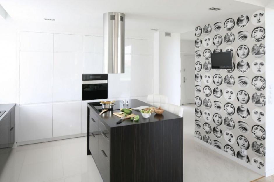 TV w kuchni: hit czy kit?