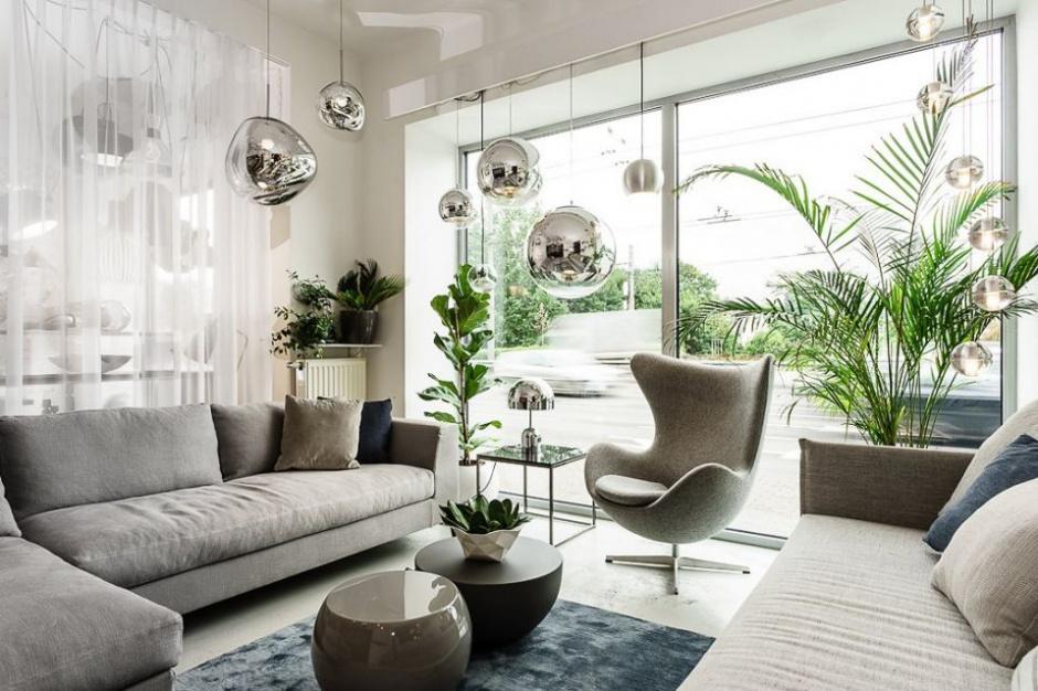Jak nalepiej oświetlić salon?