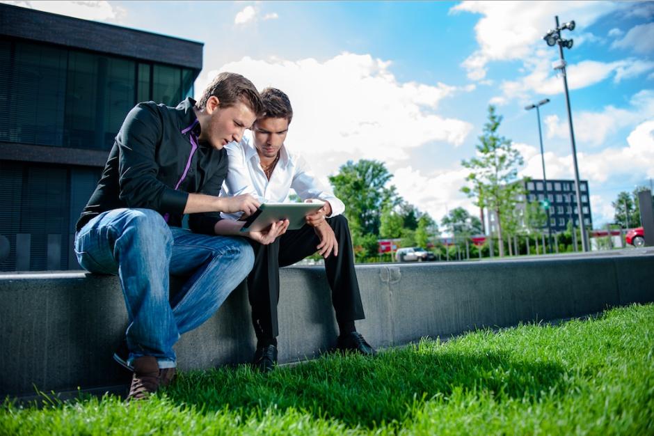Deweloperzy w trybie pracy zdalnej i online