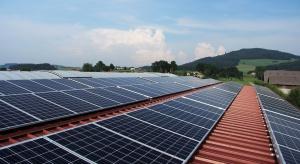 Pierwsze panele słoneczne na budynku spółdzielni mieszkaniowej