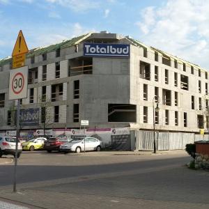 Nietuzinkowy apartamentowiec City Corner wkrótce z dachem