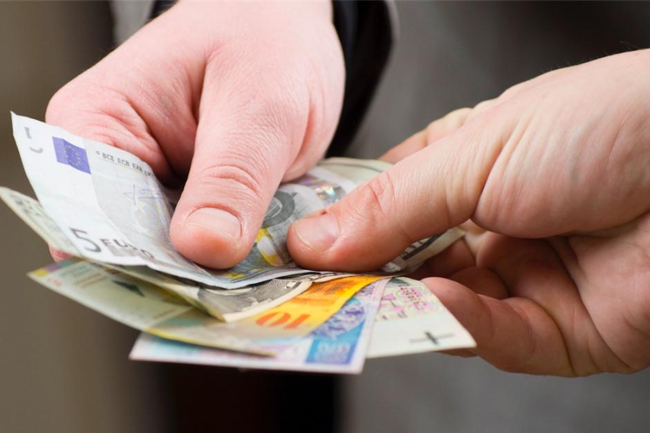 Polacy biją rekordy w zadłużeniu. Ponad 2 mln kredytów mieszkaniowych