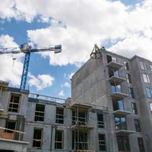 Apartamenty i aparthotel na Wyspie Spichrzów coraz bliżej