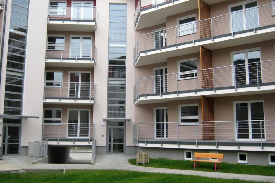 Jak sprzedają się mieszkania JHM Development?