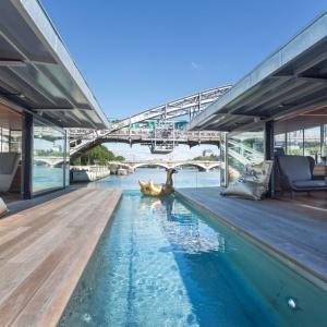 Off Paris Seine: Pierwszy hotel pływający po Sekwanie