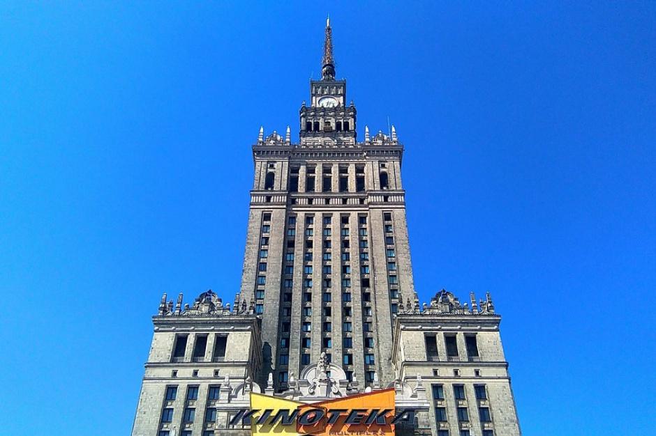 Reprywatyzacja jednej z najdroższych działek w Warszawie pod ochroną