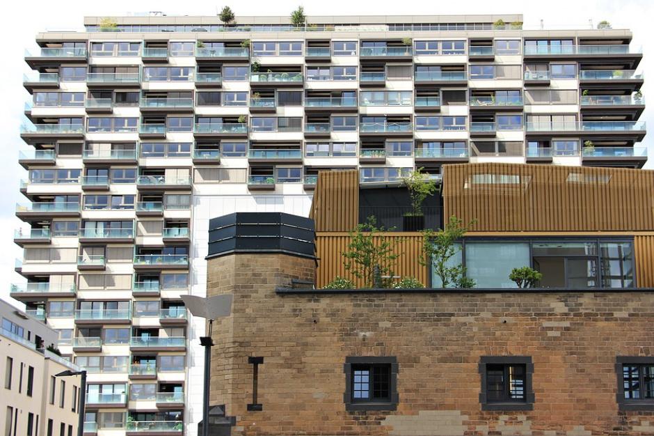 Polacy tłoczą się w małych mieszkaniach