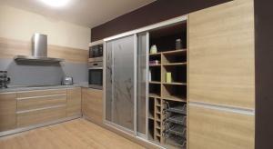 Spiżarnia w małej kuchni