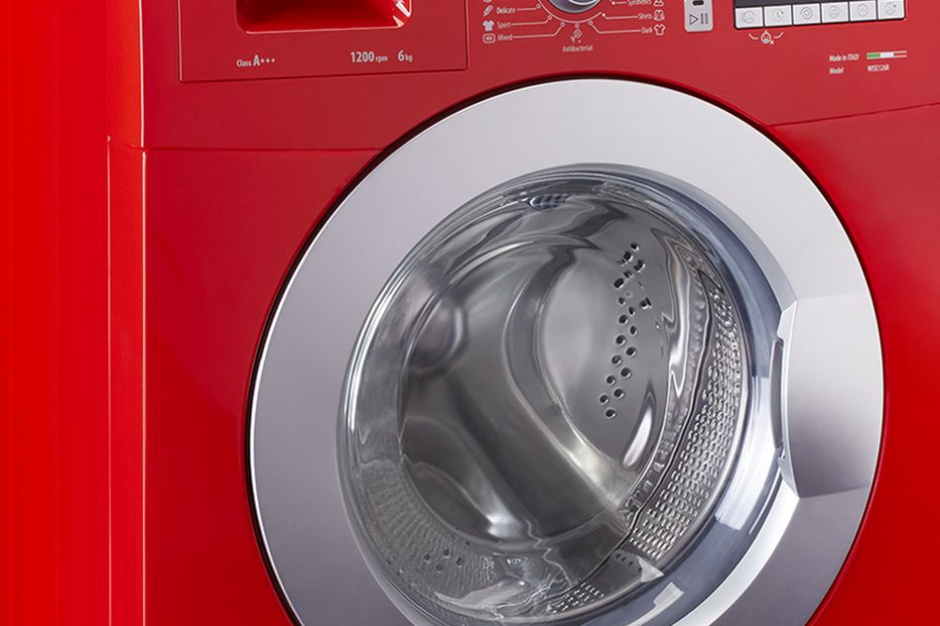 Kolorowe pralki hitem nowoczesnej łazienki