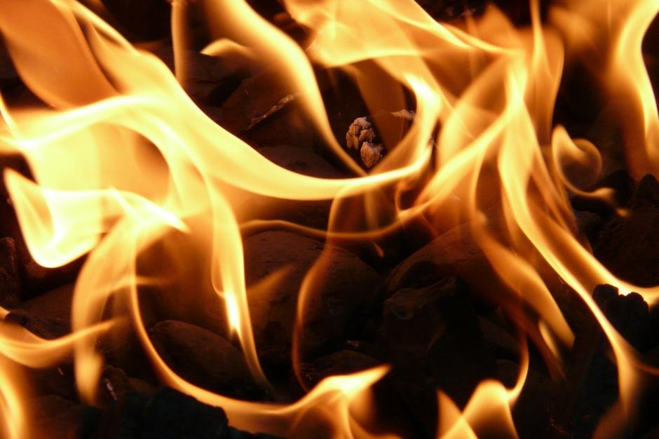 Pożar w rejonie składowiska odpadów w Sosnowcu