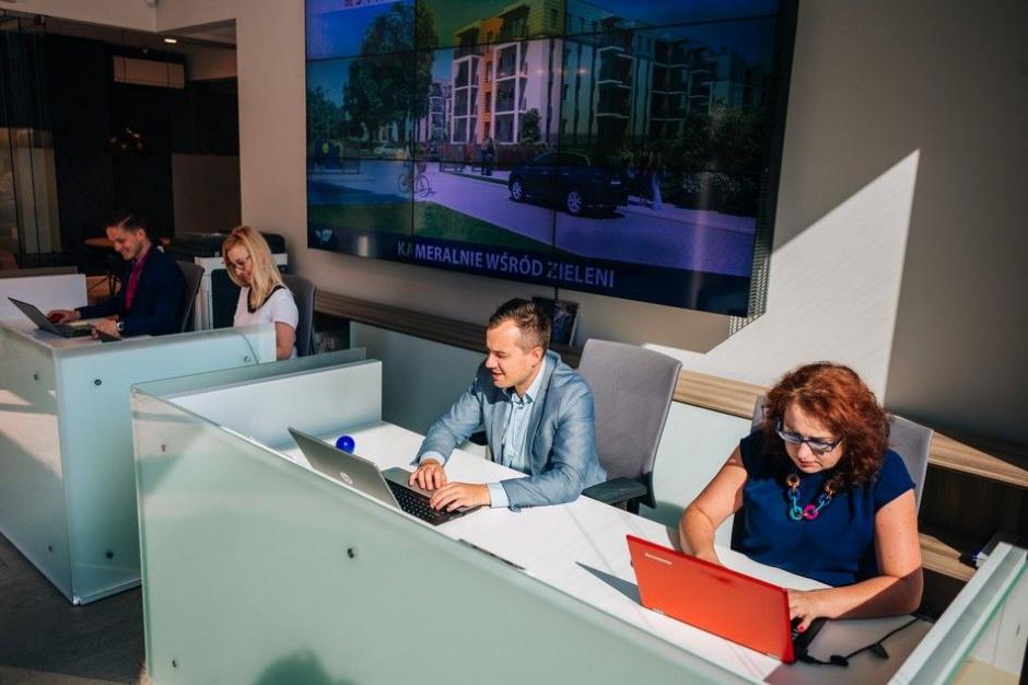 Polacy szukają mieszkań w internecie