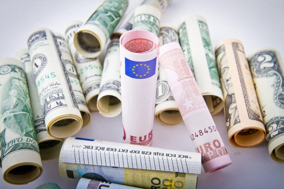 Bosak chce zawieszenia spłat rat kredytów hipotecznych na okres 6 miesięcy