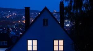 Mieszkania zakładowe w legislacyjnym potrzasku