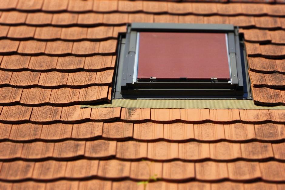 Jak zamontować okno w dachu
