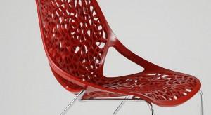 Krzesło z ażurową lekkością bytu