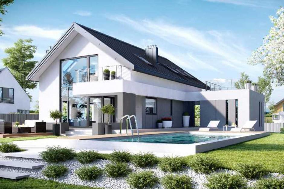 Polacy coraz częściej inwestują w budowę domu