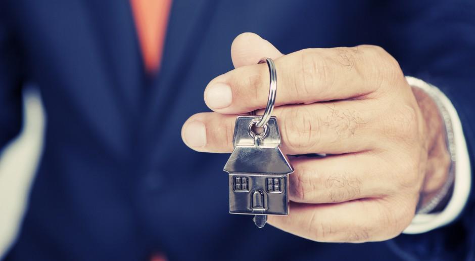 w największych miastach dom można kupić za 60-70 proc. ceny mieszkania