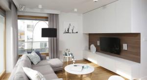 Najmodniejsze pomysły na aranżację ściany za telewizorem
