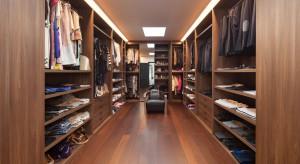 Jak zaprojektować garderobę w domu?