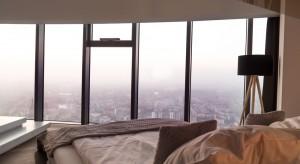 Polskie domy w trakcie zamknięcia: zanieczyszczone powietrze i hałas