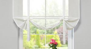 Dekoracja okna: firany i rolety woalowe