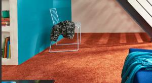 Miękko, kolorowo lub neutralnie – co jest modne na podłodze?