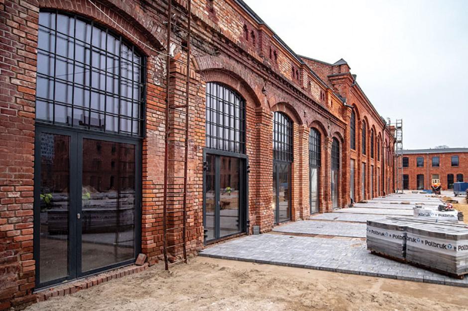 Ogrody Geyera -  zmienia się przestrzeń w dawnych zakładach włókiennictwa przy ul. Piotrowskiej