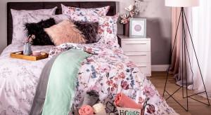 Wiosenne dekoracje w sypialni. Najmodniejsze trendy tego sezonu
