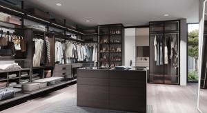 Garderoba w domu: jakie udogodnienia zapewnią jej funkcjonalność