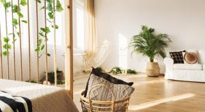 Letnia sypialnia w stylu retro - jak ją zaaranżować?