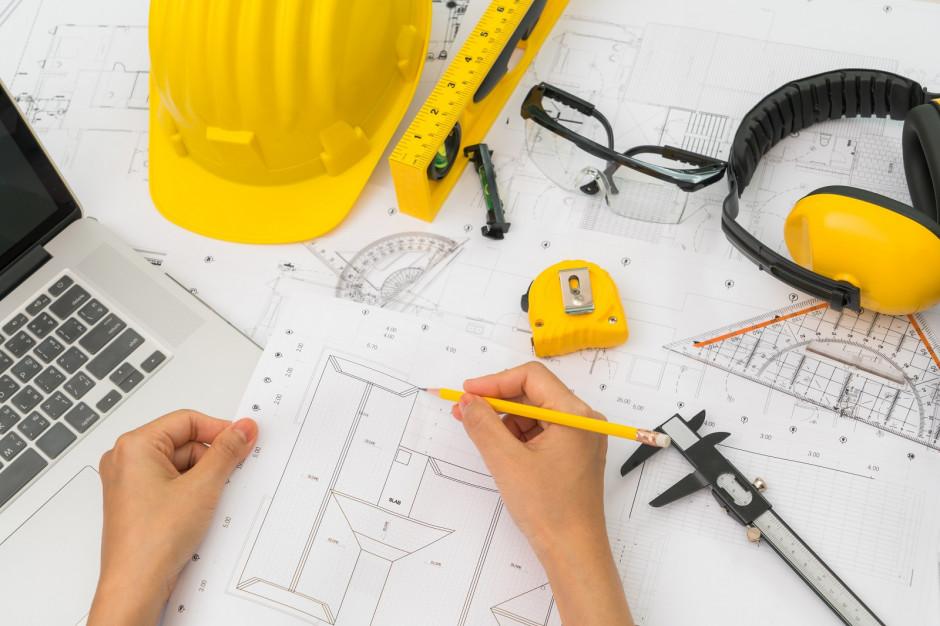 Budowa domu: takie są plusy i minusy gotowego projektu z katalogu