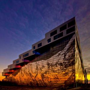 Bjarke Ingels – Duńczyk, który projektuje Towarową 22