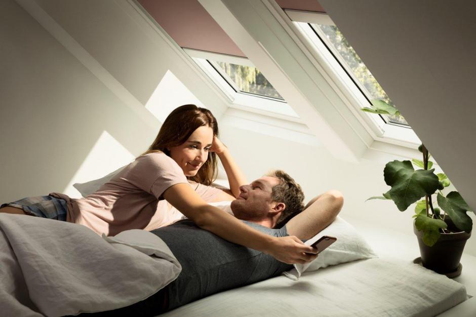 Rolety zaciemniające: sposób na zdrowy sen
