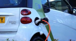 Rzeczpospolita: za obowiązkowe gniazdka do ładowania elektrycznych samochodów zapłacą właściciele mieszkań