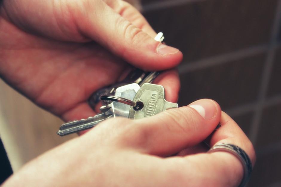 Echo: miesięczna informacja o sprzedaży i przekazaniach mieszkań